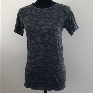 Old Navy active leopard T-shirt